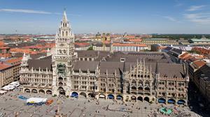Marienplatz and Glockenspiel